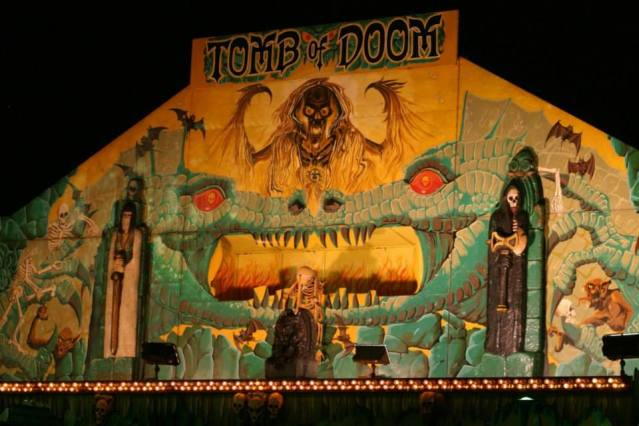 spook show carny