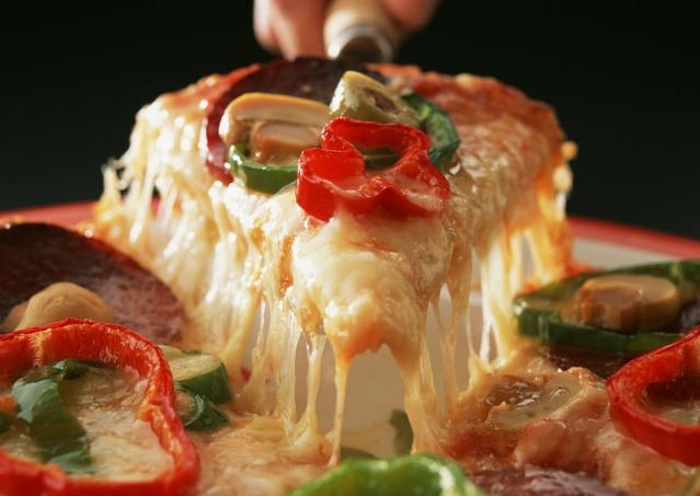 Pasta_Pizza_Salad_Photo_image4arab_47